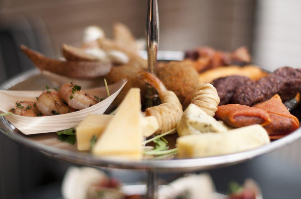 High tea, high wine, restaurant, uit eten